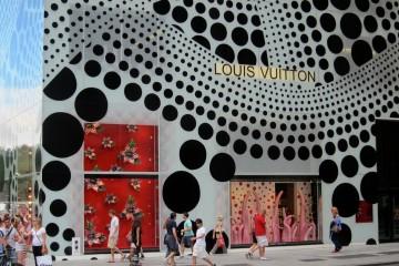 Yayoi-Kusama-NYC-Dots-Yellow-Tree-AM-12-1